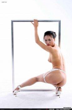 网袜女孩白色背景人体作品