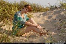 沙漠的边缘人体模特Lotte