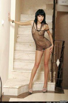 阶梯上的性感模特Julia [2