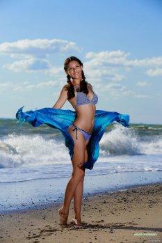 海浪与美体Rosella