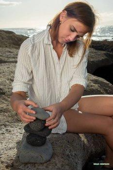 海岩迎风而上Oxana