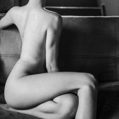 浓烈的黑白人体艺术摄影