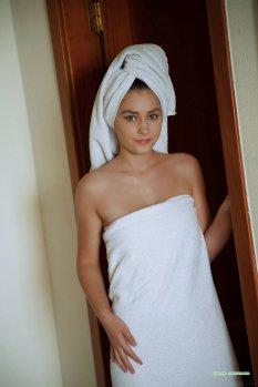 浴巾女孩KACY