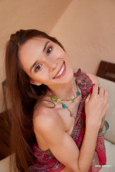 柔软纤细的美体模特Leona