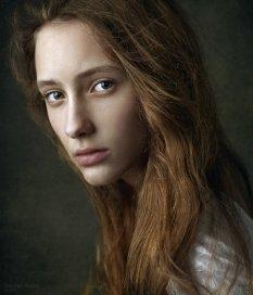 干净的女性肖像摄影