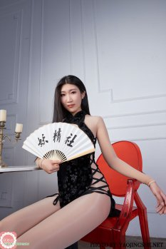 国模苏伟黑旗袍连身袜