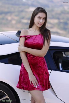 白色跑车与美女Angelina